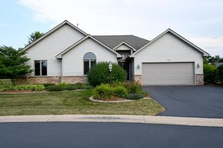 1327 W Heights Ct