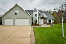 1063 Woodview Dr