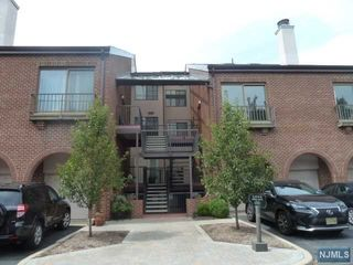6 Millay Court Unit 6