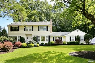 20 Country Squire Road