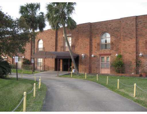 6901 Veterans Memorial Boulevard Unit38 - Photo 1 of 18