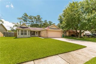 601 Forest Loop