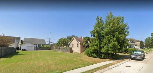 6518 Argonne Boulevard - Photo 1 of 2