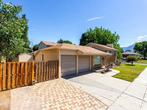 See All Homes In Murray West, ...