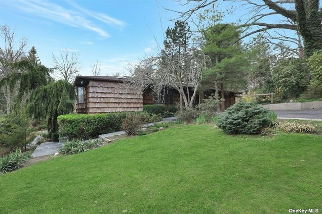 7 Willow Pond Road - Photo 1 of 27
