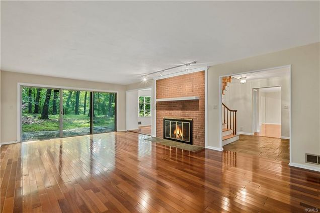 10 Upper Shad Road - Photo 1 of 1