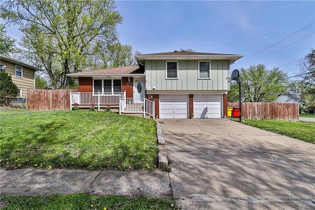 4225 S Cottage Avenue - Photo 1 of 33