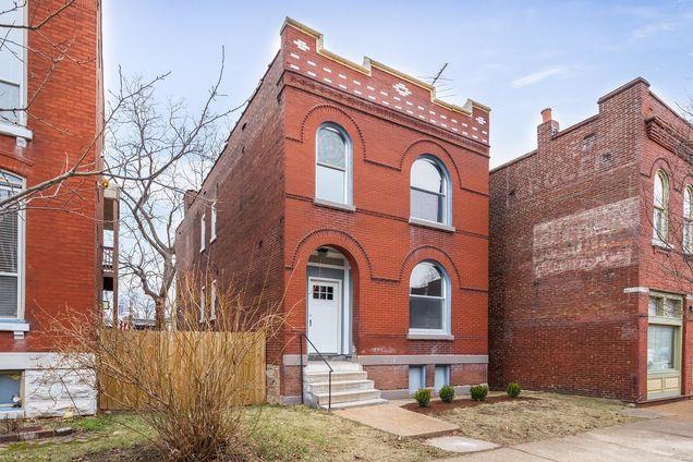 3136 Nebraska Avenue - Photo 1 of 30