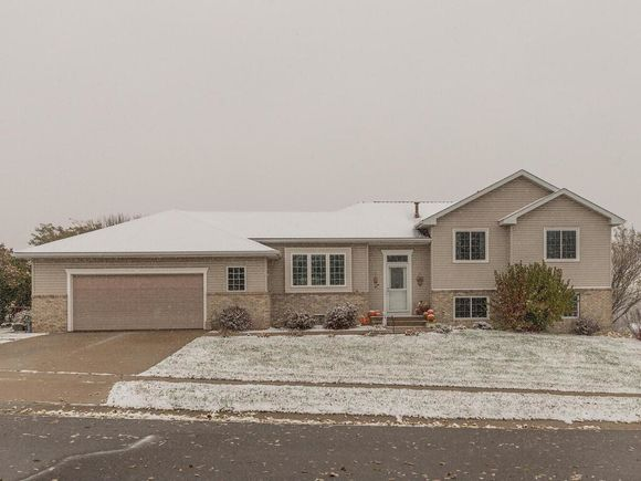 5211 Nicklaus Drive NW - Photo 0 of 39