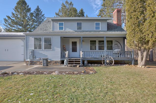 109 Forestry Avenue SE - Photo 1 of 22