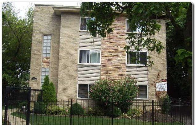 1404 W Estes Avenue Unit3B - Photo 1 of 10