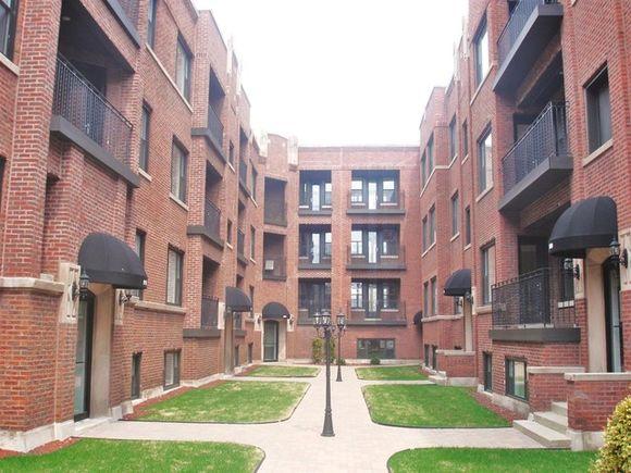 906 W Winona Street Unit2N - Photo 1 of 6
