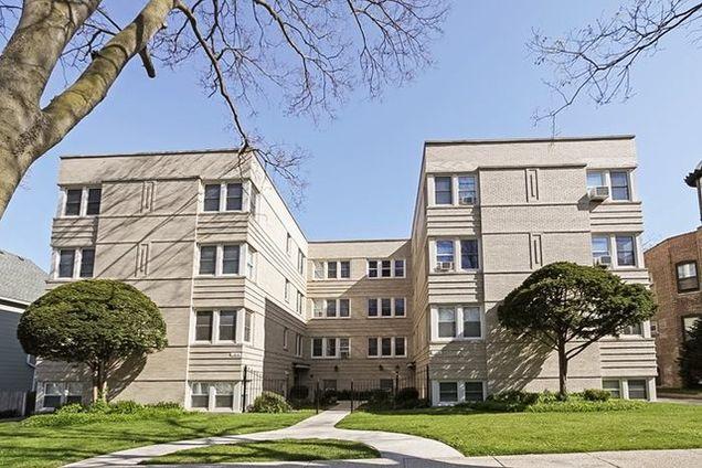 100 Pine Avenue Unit4 - Photo 1 of 13