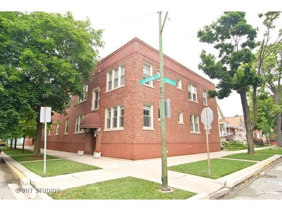2234 W School Street Unit1 - Photo 0 of 10