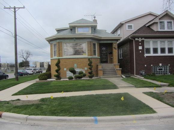 7950 W Oakleaf Avenue - Photo 1 of 23