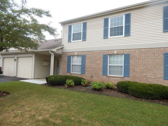 1013 Sommerset Court UnitB - Photo 1 of 16