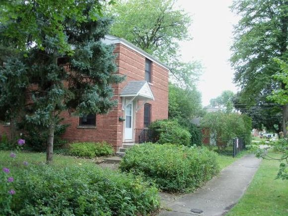 1812 Sycamore Street - Photo 1 of 6
