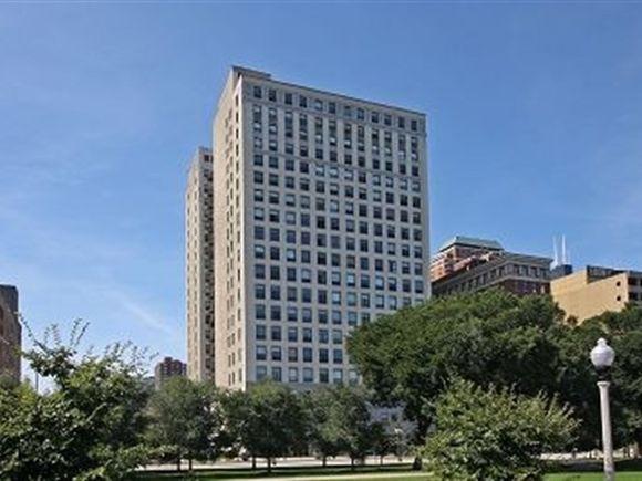 910 S Michigan Avenue Unit712 - Photo 1 of 11