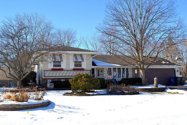 3n114 Springvale Road - Photo 1 of 32