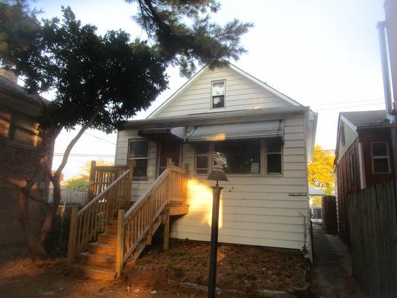 5319 N Nagle Avenue - Photo 1 of 20