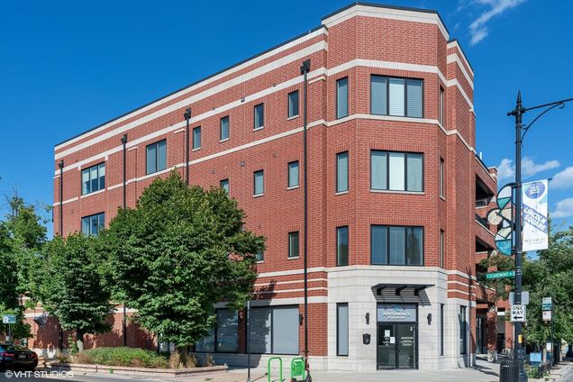 4805 N Claremont Avenue Unit303 - Photo 1 of 16