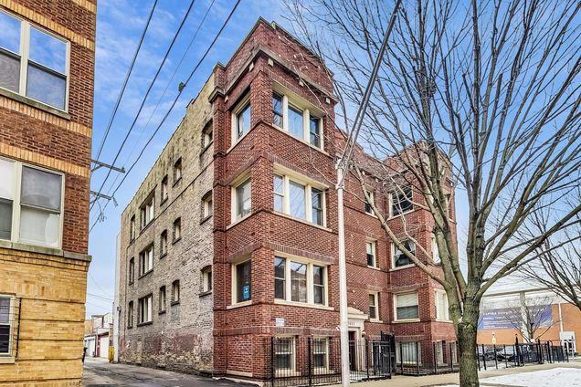 3644 W Leland Avenue Unit4 - Photo 1 of 25