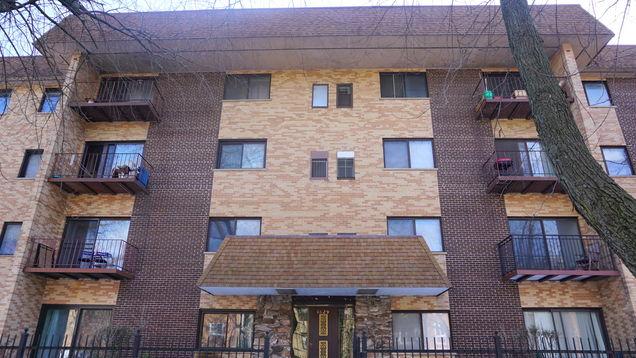 1629 W Greenleaf Avenue Unit405 - Photo 1 of 16