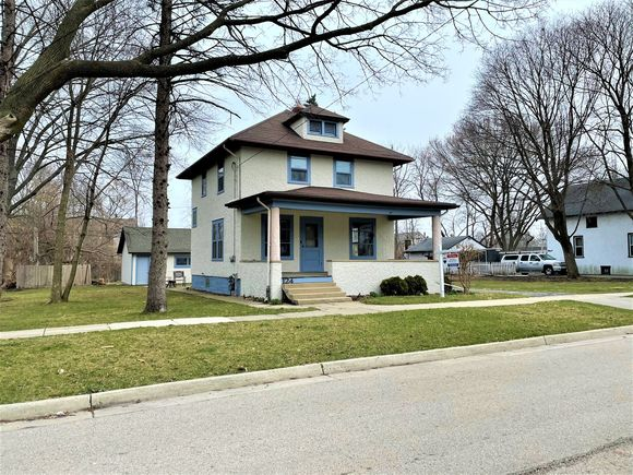 124 E Sunnyside Avenue - Photo 1 of 14