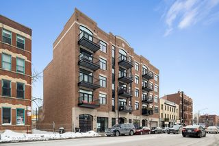 711 W Grand Avenue Unit302