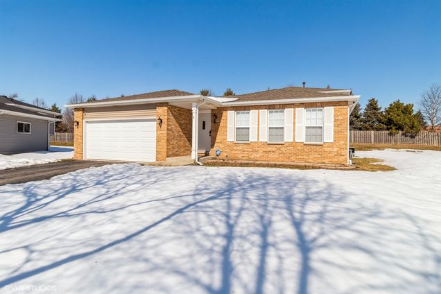 8 Caribou Court - Photo 1 of 22