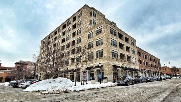 10 S Dunton Avenue Unit303 - Photo 1 of 14