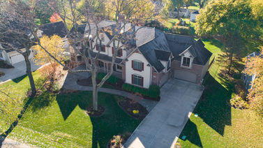 26w119 Mohican Drive