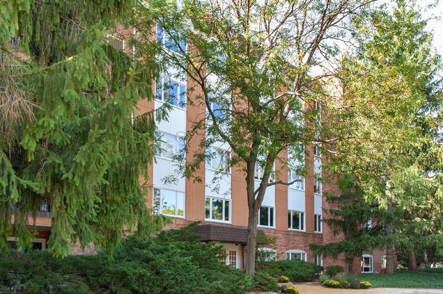 205 Rivershire Lane Unit512 - Photo 1 of 32