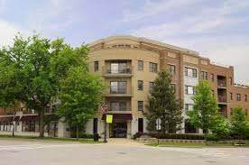 586 Crescent Boulevard Unit304
