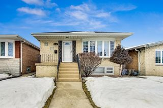 6704 W 63rd Place