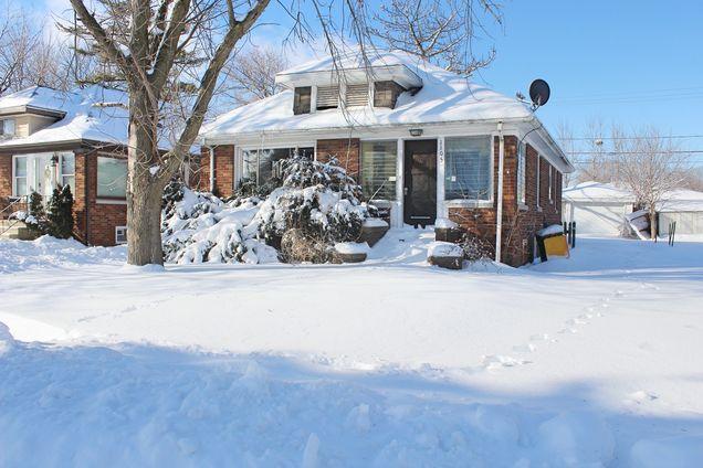 1105 N Prairie Avenue - Photo 1 of 13