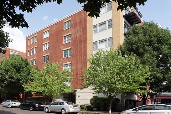 2300 W St Paul Avenue Unit304 - Photo 1 of 8