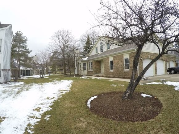 216 Willow Parkway - Photo 1 of 33