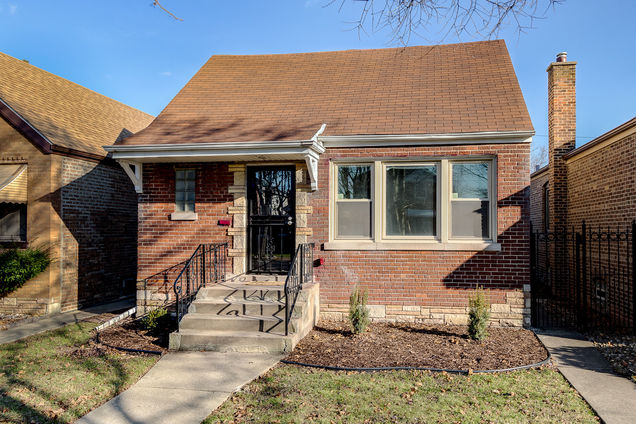8841 S East End Avenue - Photo 1 of 22
