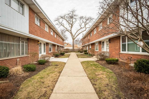 334 S Maple Street - Photo 1 of 10