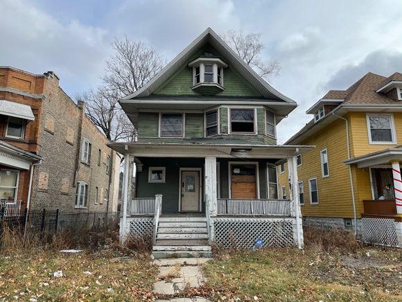 327 N Menard Avenue - Photo 1 of 7