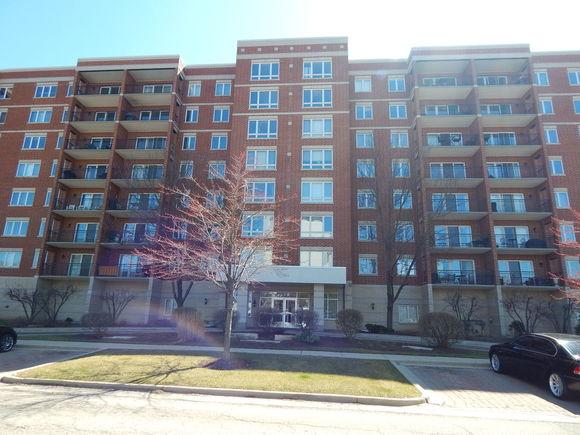 5555 N Cumberland Avenue N Unit407 - Photo 1 of 22