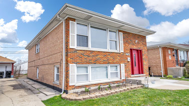3714 W 76th Place