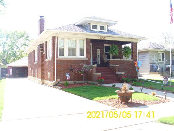 1307 N Raynor Avenue - Photo 1 of 23