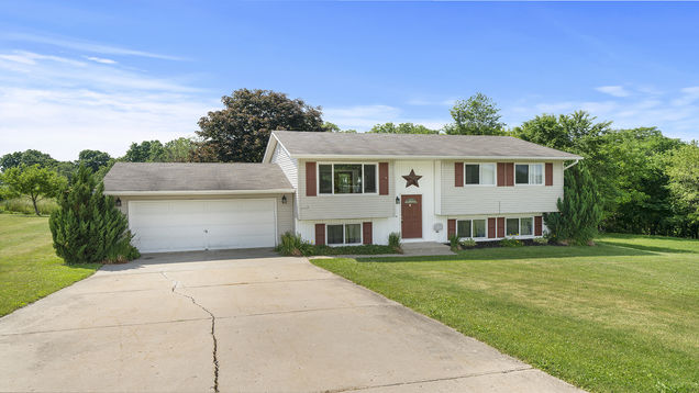 2756 N Indian Heights Drive - Photo 1 of 23