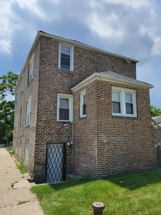1401 W 109th Place