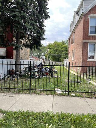 414 N Hamlin Avenue