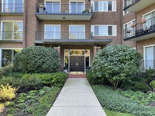 1290 N Western Avenue Unit105