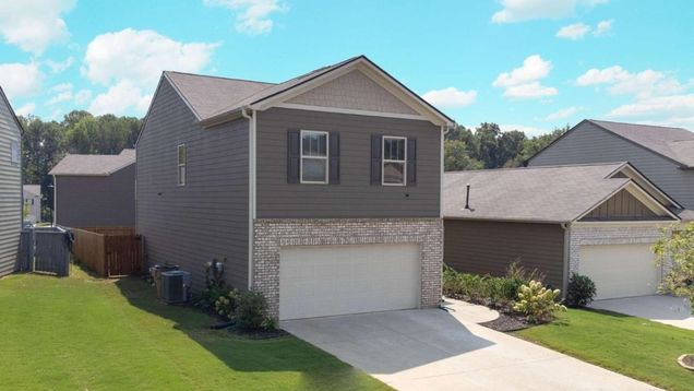 310 Ivey Hollow Circle - Photo 1 of 23