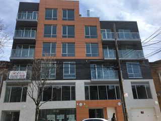 869 57th St Unit 304